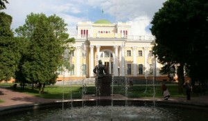 Белоруссия — это чрезвычайно интересное и красочное государство с обилием старинных городов и увлекательных достопримечательностей.