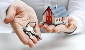Существует расхожее мнение, что интенсивность купли/продажи недвижимости напрямую зависит от сезона